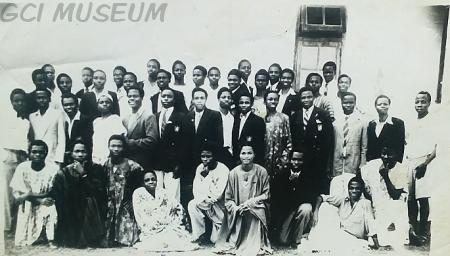 A group picture of 1948 Set, taken in the 50's.