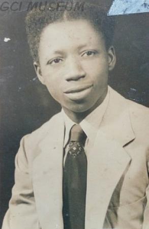 Omololu Olunloyo (1948) in 1955