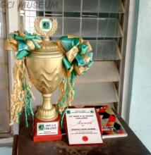 The trophy and award won by GCI at the 2018 Under-16 South West Hockey Foundation Tournament